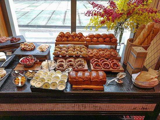 Clipper Lounge Mandarin Oriental Hong Kong Sunday Brunch Bread Table