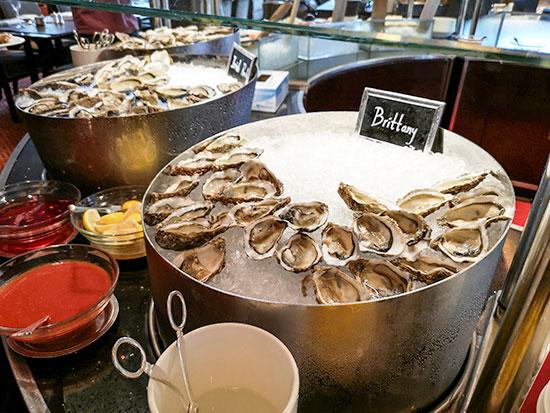 Clipper Lounge Mandarin Oriental Hong Kong Sunday Brunch Oysters