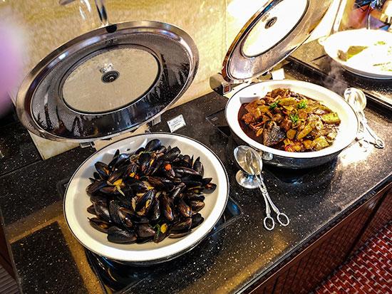 Clipper Lounge Mandarin Oriental Hong Kong Sunday Brunch Mussels