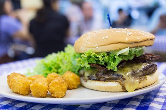 DeBurg Bacon Cheeseburger