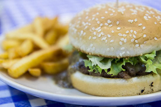 DeBurg Mushroom Cheeseburger