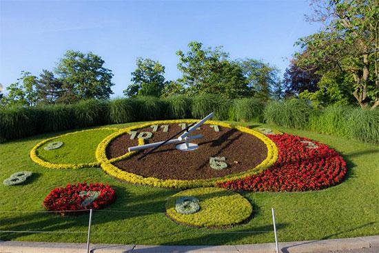 Geneva L'horloge Fleurie