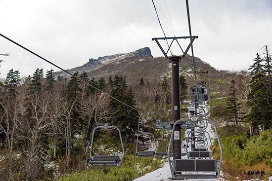 Hokkaido Autumn Guide Mt Kurodake Chair Lift