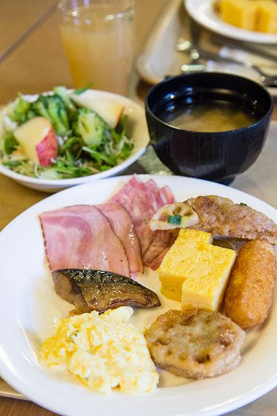 Hokkaido Autumn Guide Route Inn Sapporo Chuo buffet breakfast