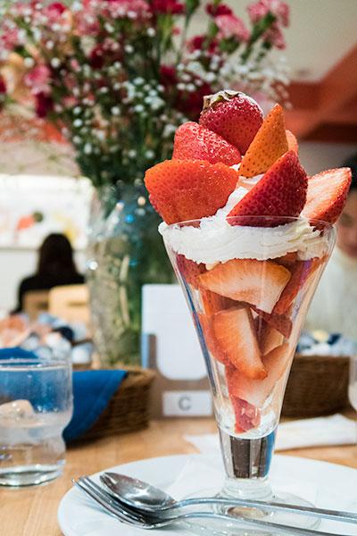 Kantaro Sweet Tooth Salaryman Amaou Strawberry Parfait at Kajitsuen Libre Riberu Tokyo Station