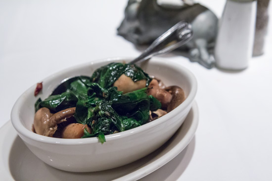 Morton's Spinach and Button Mushrooms