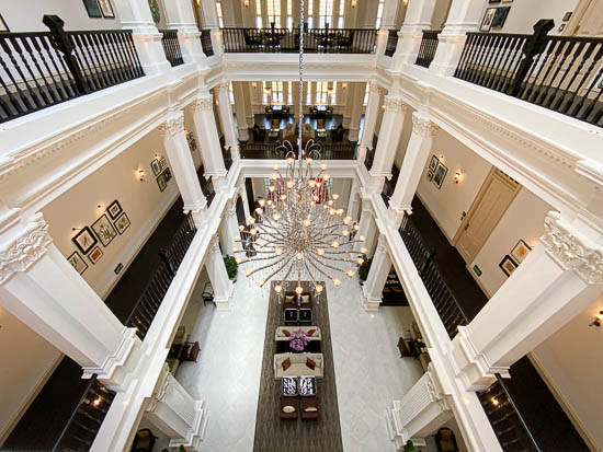 Raffles Hotel Singapore Entrance