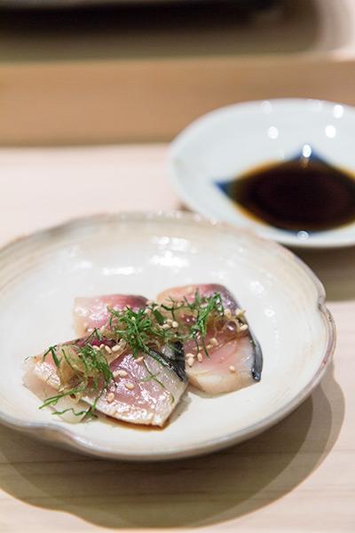 Singapore Best Omakase Sushi Shinji by Kanesaka Saba Sashimi with shiso leaf