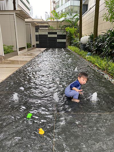 St Regis Hotel Singapore Swimming Pool