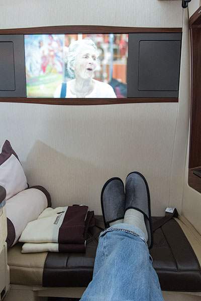 Singapore Airlines Suites SQ12 SIN-NRT Ottoman and Television