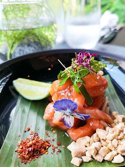 Tangerine Resorts World Sentosa Thai Fusion Fine Dining King Salmon Pad Thai